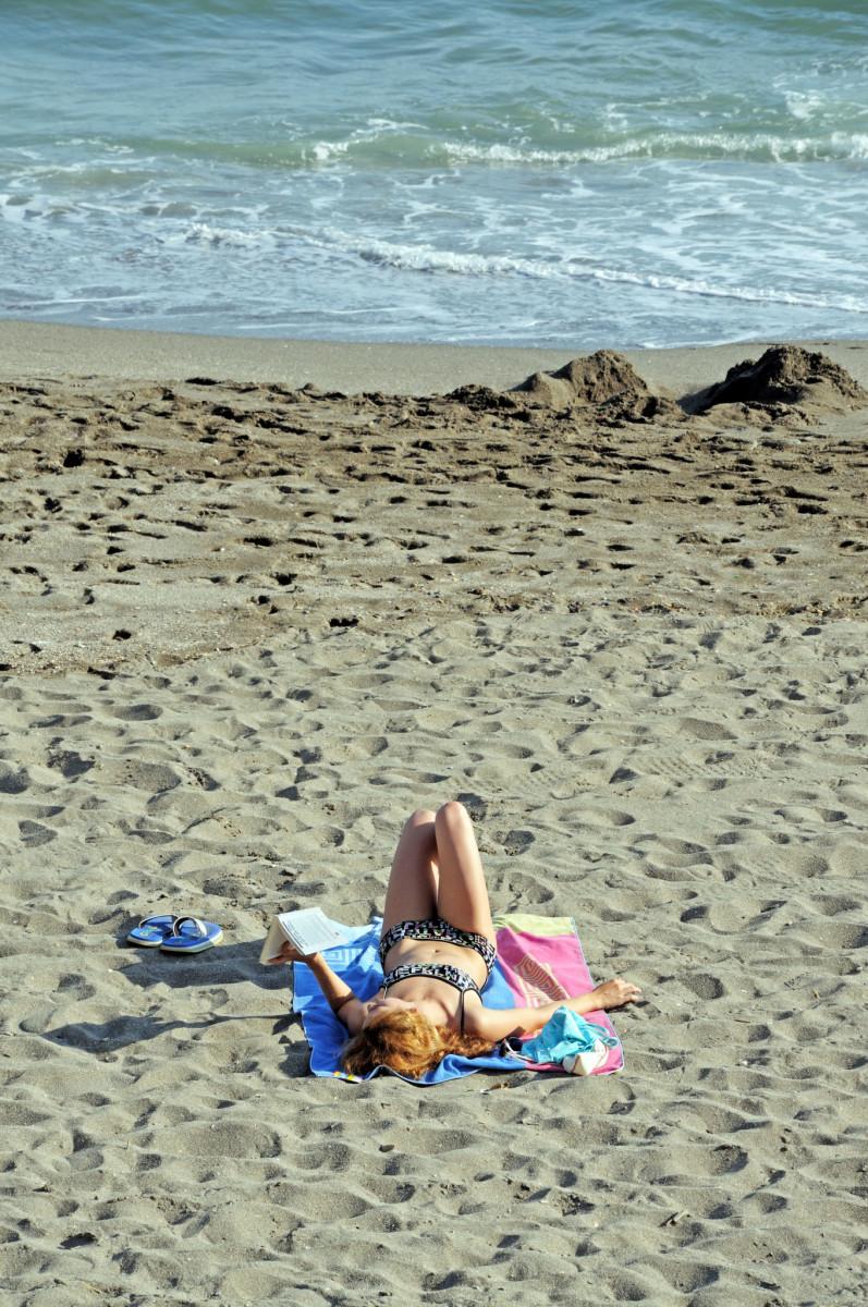 Prylar till strandväskan