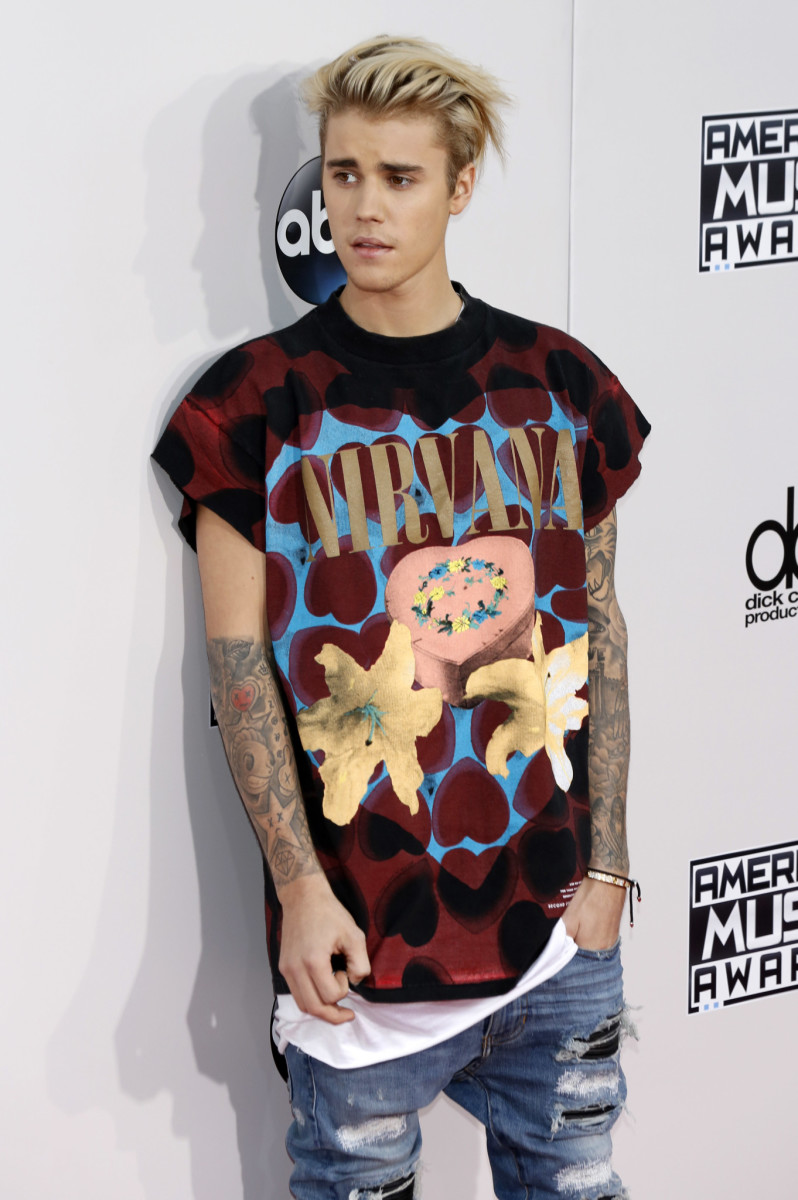 Justin Bieber attending the 2015 American Music Awards at Microsoft Theater on November 22, 2015 in Los Angeles, California.Featuring: American Music Awards 2015Where: Los Angeles, California, United StatesWhen: 23 Nov 2015Credit: Dave Bedrosian/Future Image/WENN.com**Not available for publication in Germany, Poland, Russia, Hungary, Slovenia, Czech Republic, Serbia, Croatia, Slovakia**