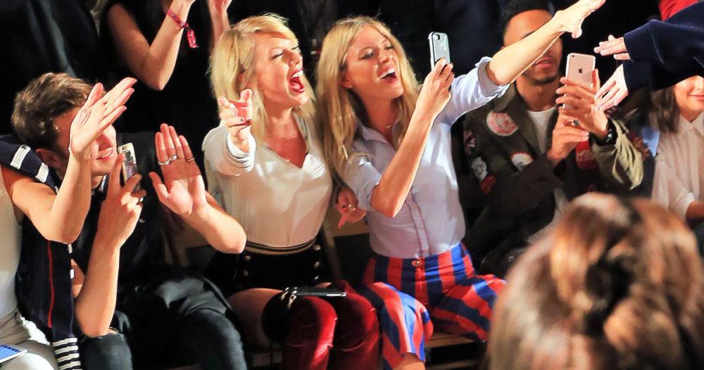 Goals! Kolla in stödet Taylor Swift ger sin BFF